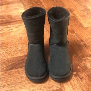 Never worn UGG Classic Short boot